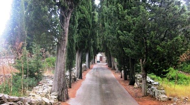Put prema groblju