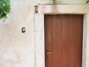 Potkova na vratima za sreu